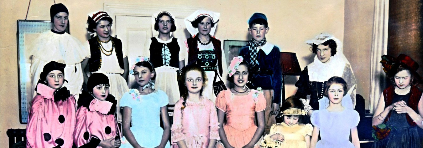 Dorothy Britton (middle row, fifth from left) at her fancy dress birthday party in 1933