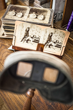A vintage stereograph (circa 1900) and slides