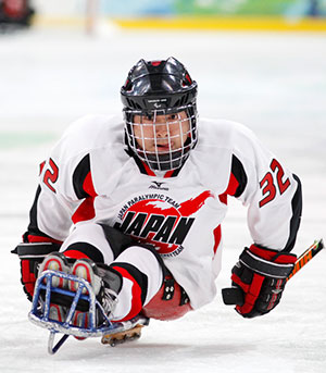 Uehara won a silver medal in 2010 for ice sledge hockey.