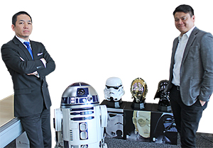 Aki Ito (left) and Alan Ng of AQUA with the firm's products © & ™ Lucasfilm Ltd.