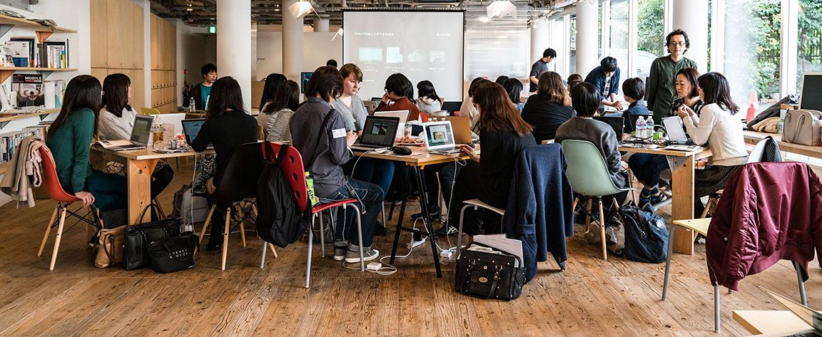Women Who Code Tokyo hold events where women can network face-to-face.
